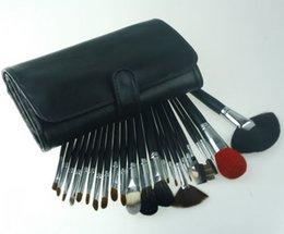 Wholesale Iraq Pose Man Ismine selling export black embossed high grade wool makeup brush sets Makeup brush