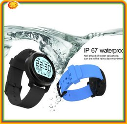 Wholesale 5 F68 Aluminium alloy Waterproof Heart Rate Monitor Tracker Waterproof Smart Watch with bluetooth4 sedentary remind vibration pedomete
