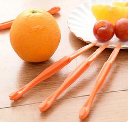 Wholesale The fastest and best use for orange peel orange peeler Juicer helper artifact creative fruit tools