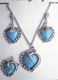 Venta al por mayor Libre-Envío turquesa del collar de la vendimia del corazón, sistema de la joyería anillo de los pendientes desde pendientes de turquesa juego de anillos proveedores