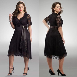 Plus Size Evening Dresses Sheer V-Neck 1 2 Sleeves Lace Prom Dress A-Line Tea Length Black Prom Gowns With Sash