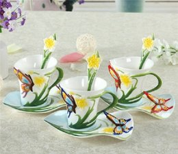 Gros-180ml Peinture Porcelaine Bone China papillon Fleurs café Set Creative Tea Cup Set main Set, gratuites 3colors d'envoi à partir de thé floraison gros en chine fournisseurs