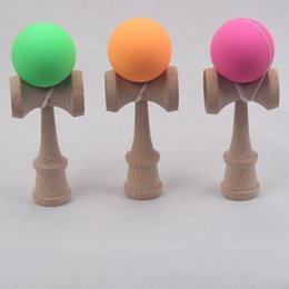 Wholesale-150pcs 2015 HOT Rubber paint Game ball skills with a sword jade jade sword ball sword flexible paint kendama wholesale