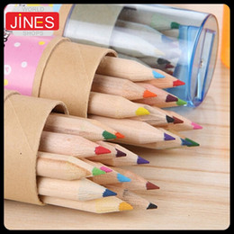 Descuento niños mini lápiz 2 Tubo / 24 piezas / lápices de 12 colores / lápices Niño Lote Mini colores de madera escritura W / Sacapuntas Kid regalo de cumpleaños Papelería