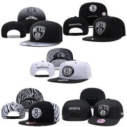 Custom New Style Fashion Baseball Caps Hat Cap Visor for Sports Bone Letter Monogram Snapback Gorras White and Black