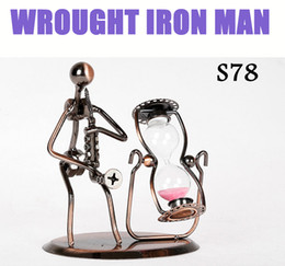 Wholesale 2015 Creative Ornaments Desk Crafts WROUGHT IRON MAN Hand Made Arts And Crafts Home Office Desk Decoration Vivid Iron Arts Music Performer