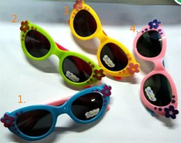 Wholesale Sunglasses For Babys Children Boys And Girls Super Cute little Flower Lovely Decoration Big Box Personality