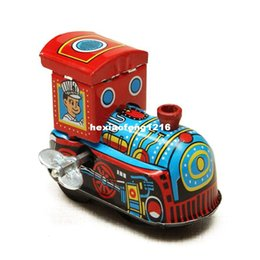 Wholesale 2016 New Children Vintage Wind Up Tin Clockwork Spring Locomotive Classic Toy For Kids Gift