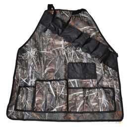 Wholesale Unique Waterproof Camouflage BBQ Grill Apron Oxford Cloth Outdoor Grilling Tablier Prank Beer Holder Humor Joke Barbeque Party Gift