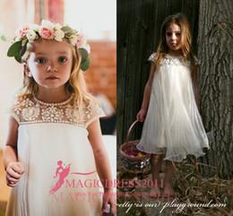 Vintage Flower Girl Dresses for Beach Bohemian Wedding Rhinestones Tea-Length Cap Sleeve Empire Ruffled Tulle First Communion Dresses