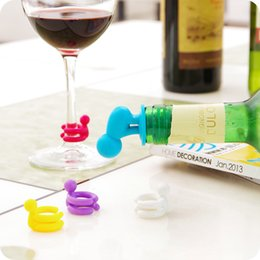 Wholesale Party Wine Accessories set Dedicated Cup Wine Glass Silicone Label Rubber Wine Classes Marker with Bottle Stopper