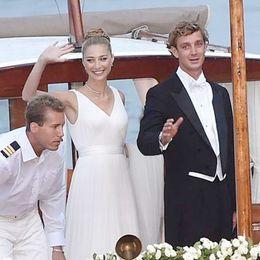 Wholesale Beatrice Borromeo Beach Wedding Dresses V Neck Chapel Train Backless Plus Size Bridal Gowns Simple Watteau Temperament