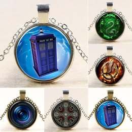 Wholesale cabochon glass necklace Doctor Who jewelry time machine police box necklace fashion movie jewelry cameras lens necklace Games DHL