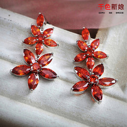 New Arrive Red Rhinestone Wedding Earrings Fashion Cheap Stud Earring For Women Wedding Accessories Pageant Eardrop Cheap