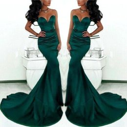 Simple 2017 Hunter Green Mermaid Evening Dresses Sweetheart Off the Shoulder Prom Dresses with Court Train Zipper Back Long Evening Gowns