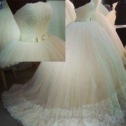 Amazing Strapless Lace Ball Gown Wedding Dresses Strapless Neck Tulle Ivory White Zipper Back Sweep Train Bow 2016 Bridal Gowns