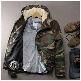 Wholesale Fall ARMY GREEN Mens Field operation Camouflage warm fur jacket hooded jacket coat