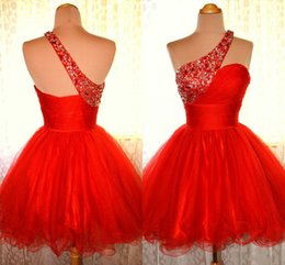 Red Cheap One Shoulder Short Homecoming Dresses Pleated Tulle with Beads and Crystals Vestidos de Festa Mini A-line Party Prom Gown