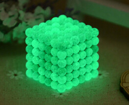 Free shipping 5mm Buckyballs Magnetic balls Neocube Magic cube Magnet Puzzle (Glow in the dark, Round tin box)