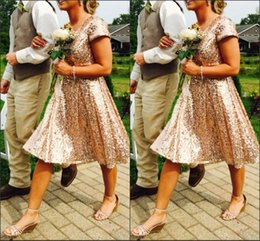 2016 New Gold Sequins Bridesmaid Dresses For Cheap Knee Length Short Sleeve Sexy V-neck Pleats Custom Made Wedding Party Dresses