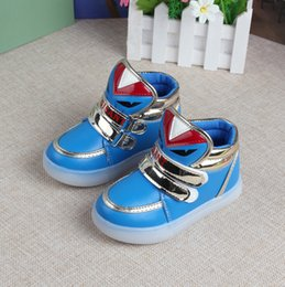 Lumières bottes à vendre-Nouveaux garçons filles chaussures de mode LED a allumé des enfants de bande dessinée charmante Monsters bottes respirant enfants chaussures en cuir