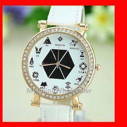 High Quality New Watches for Women Quartz Relogio 12 Totem Analog Wrist Watch Crystal Quartz Rhinestone Faux Leather Band Ladies Watches