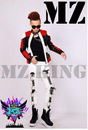 Male singer in Europe and the nightclub runway looks black and white and red stitching locomotive leather jacket. S - 6 xl