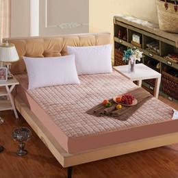 Al por mayor-Nueva llegada venta caliente espesa color sólido colchón de la cama cubierta protectora con colchón relleno / almohadilla topper # 10 desde colchones de colchón proveedores