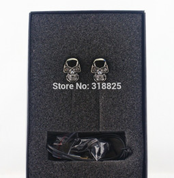Wholesale New Brand Hot Sale Cool Skull stylish Heads mm Plug Metal in ear Headset candyEarphones MP3 for iPads iPods with retailbox