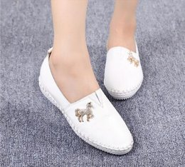 women flats 2016 spring casual white shoes Genuine Leather round head women shoes soft bottom flat shoes driving shoes
