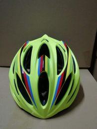 Rainbow helmet Cycling Helmet with pc Shell and Detachable Visor Bicycle Helme Extreme Sport MTB BMX Skateboarding Skate Bike Helmet 4 Color