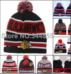 Wholesale-12 Colors Top Quality Chicago Blackhawks Striped Beanies Fashion Sport Hockey Skullies Caps Winter Out Door Warm Funny Pom Hats