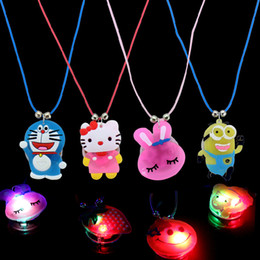 Wholesale 1000pcs lot New Design Soft Necklace New Design Color Changing LED Glow Necklace Kids Party Supplies Toy