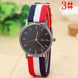 Wholesale The latest fashion and personality canvas nylon strap watch foreign trade striped watches sell like hot cakes Contracted neutral table
