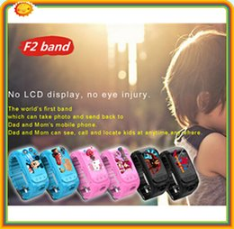 Premier téléphone intelligent en Ligne-Enfants Enfants Smart Phone GPS Watch F2 la première montre du monde peut prendre photo et retour à papa et maman Montres GPS pour enfants