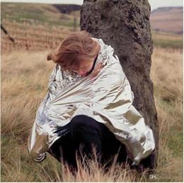 Wholesale 2015 Водонепроницаемый чрезвычайным Одеяло выживания Туризм колодки спасательной занавес открытый спасательные военные одеяло Палатка Солнечная тепловая BBA3382