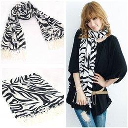 Descuento mejores bufandas de moda Envío libre al por mayor de la bufanda de la gasa del mantón Mejor vendiendo las mujeres forman la bufanda del estampado de zebra largo Silenciador Toque de Seda Bufanda FG1510