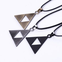 Wholesale European and American Movie ZELDA Zelda triangle sign necklace key chain animation around foreign trade selling ZJ