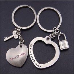 30pcs Lot Fashion Romantic Detachable Heart with Heart Couple Keychain Key Chain Ring Keyfob Keyring H065