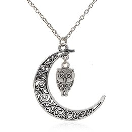 Wholesale Novel special Chinese cloud design hollow crescent shape couple necklace beautiful owl necklace simple unisex necklace