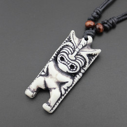 Wholesale New Zealand Tiki statue Necklace Pendant pendant Tiki antique trade bone carving imitation bone pendant jewelry