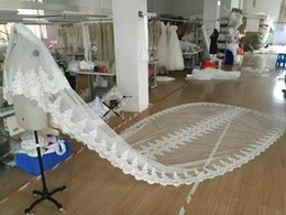 2016 Tulle Bridal Veils with Lace Appliques Alluring Cathedral White Ivory One Layers Bridal Wedding Veil Lace Appliques Beading Lace