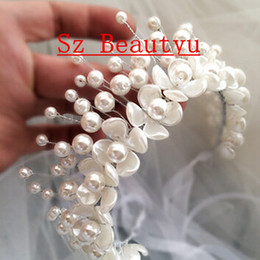 Wholesale Handmade White Pearls Brides Hair Accessories For Women Tiaras Crown New Arrival Bridal Wedding Jewelry Gown Flowers Decorations