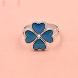 Wholesale-Fashion Chic Four Leaves Clover Ring Emotion Feeling Color Changing Mood Ring