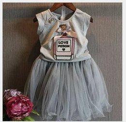 2015 New Girls Clothing 2pcs Sets Suits Children Clothes Outfits Kids Gray Sleeveless Vest T-shirt With Bowknot+Short Lace Gauze Tutu Skirt