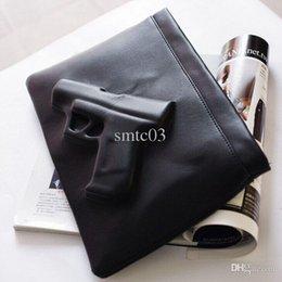 Las mujeres baratas bolsas de cuero negro en venta-Al por mayor-3D de impresión Negro Bolsa arma famoso bolso crossbody 2015 del verano mujeres del estilo de cuero bolsos de fiesta barato bolsos con la correa