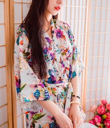 Wholesale Silk Kimonos Robes - Wedding Pajamas Japanese Silk Robe Kimono Bridesmaid Robes Floral Flowers 2016 Nightdress Sleepwear Broken Flower Kimono Underwear Opp Bag