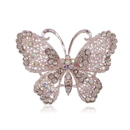 Wholesale Foreign trade electricity supplier sourcing factory direct supply fashion atmosphere hollow diamond butterfly brooch new alloy