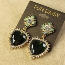 Wholesale European and American trade jewelry autumn new advanced alloy green glass crystal heart shaped pendant earrings