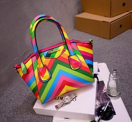 Wholesale Sweet rainbow colored stitching bags shoulder bag for women Hit the color stripe clamshell Zipper bags Smiley Messenger bag